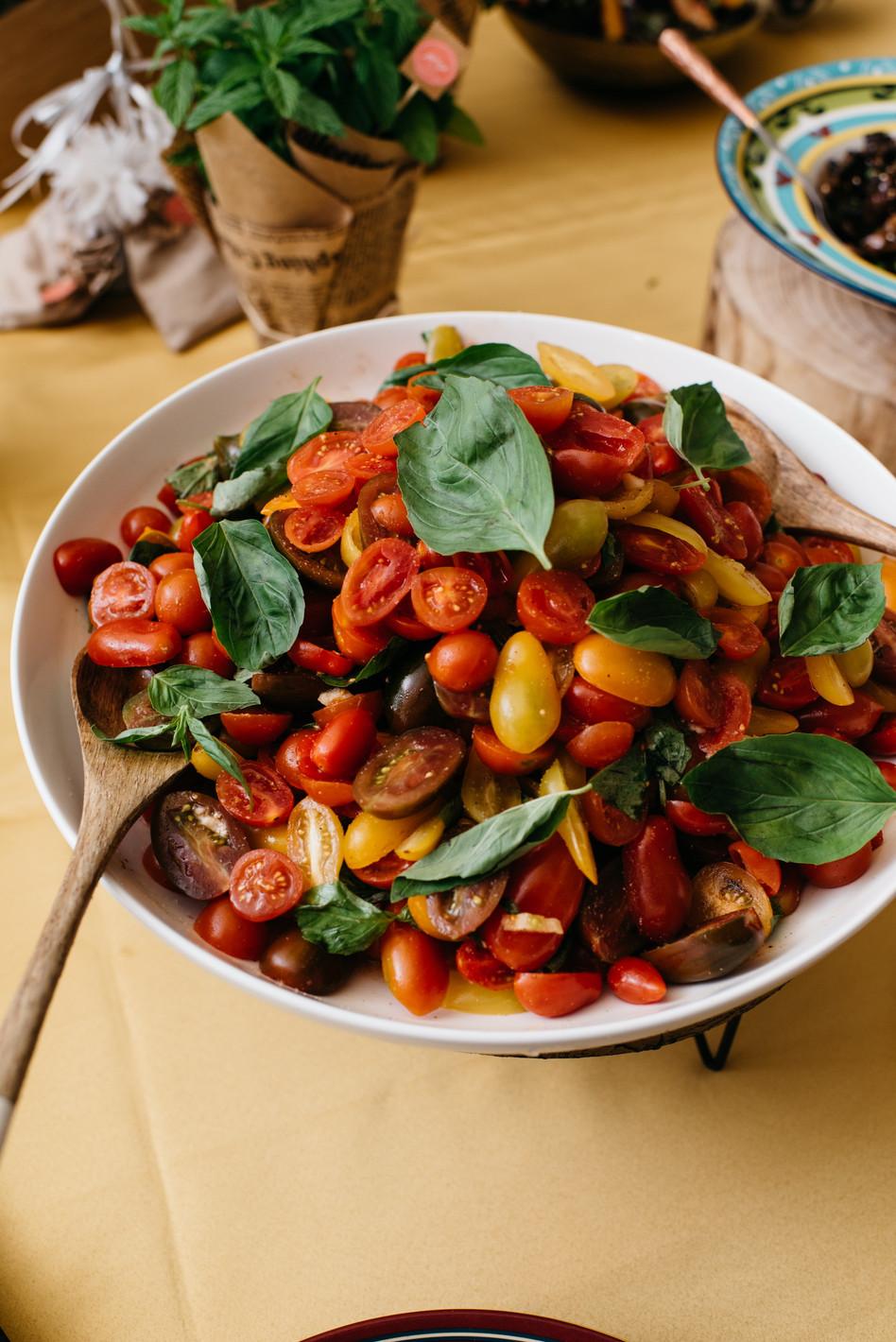 סלט עגבניות בארוע של קייטרינג גורמן