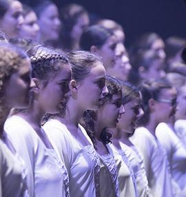 מקהלת העפרוני במופע