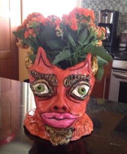 On some weird theme today, this is the new planter I made