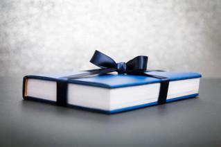 A Natale regala un libro: vieni a trovarci a Evolvo Libri.