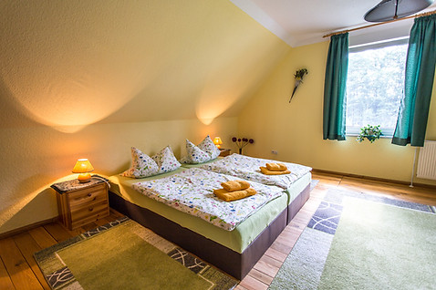Großes Zimmer - Doppelbett
