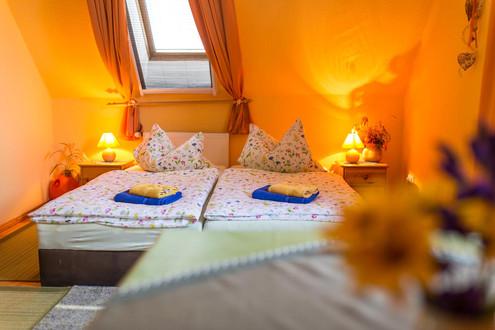 kleine Zimmer - Doppelbett