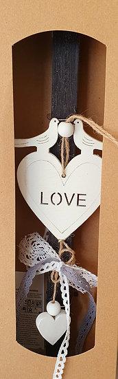 Χειροποίητη αρωματική λαμπάδα γκρί σκούρο με καρδιά