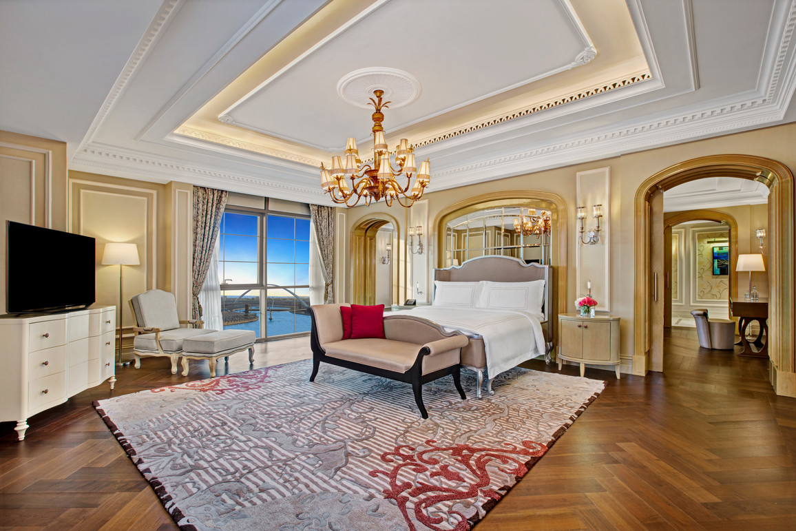 Habtoor Palace suite