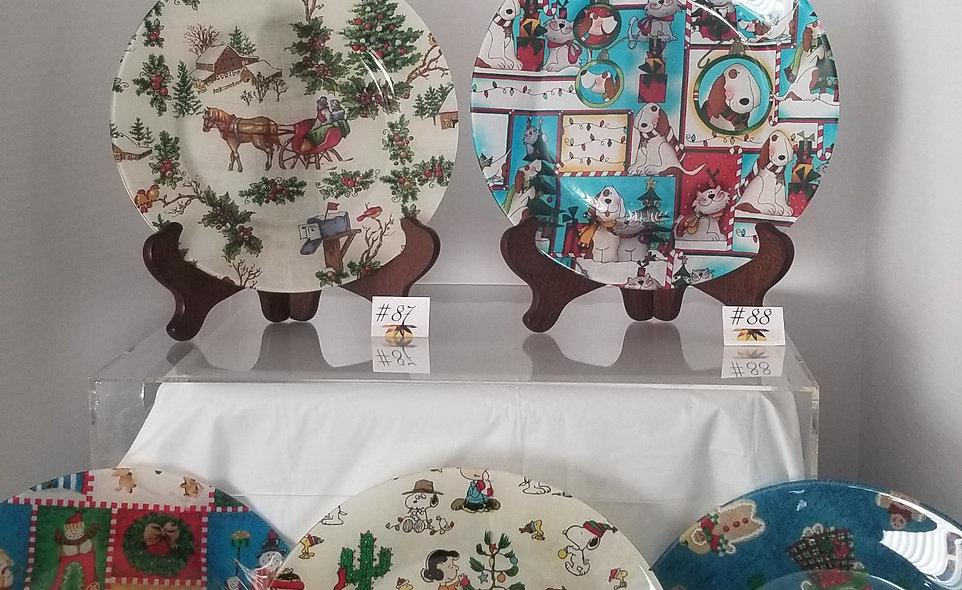 B-Stone Sleigh Ride, Animal, Snowman, Peanuts, Gingerbread Decorative Plates