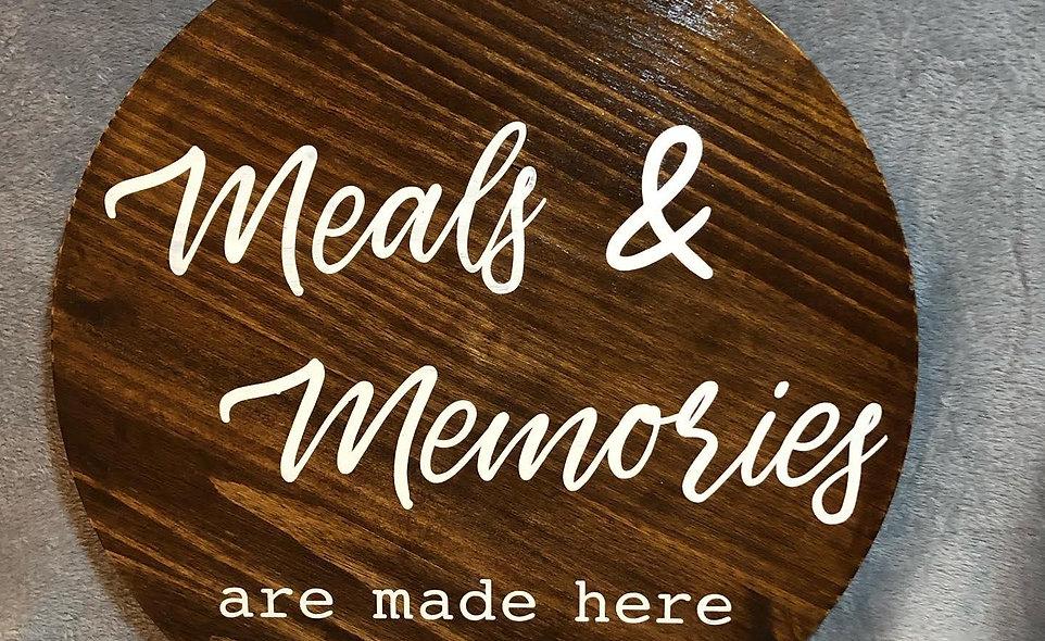 Smidgen Meals & Memories Wooden Sign