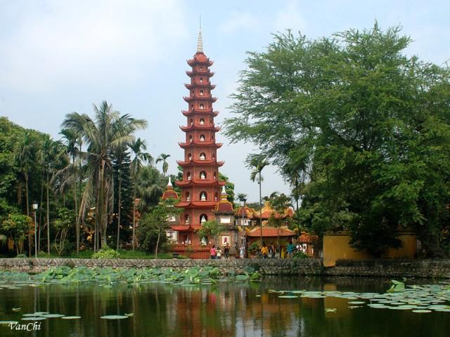 Tran Pagoda Hanoi.jpg