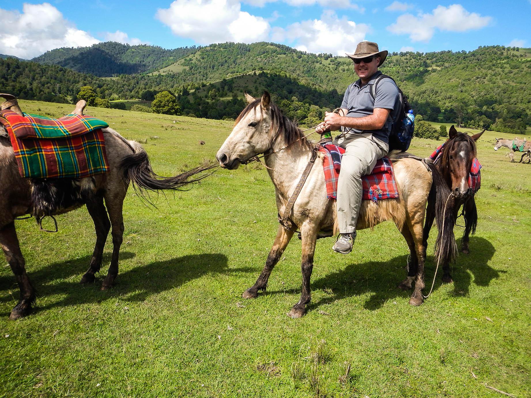 טיול סוסים בשמורת בלה