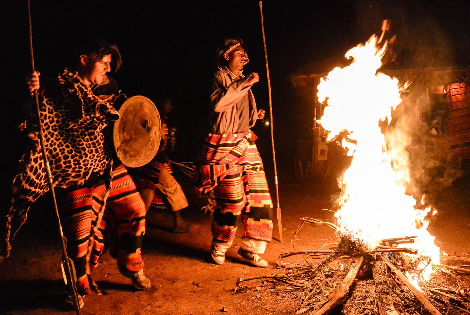 לומדים לרקוד כמו אנשי שבט הדורזה