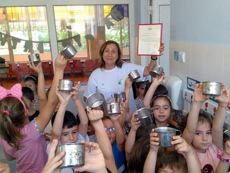 БНР и БНТ за успехите на кампанията за замяна на пластмасовите чаши с метални в детските градини