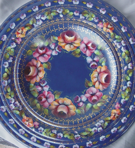 Packet - 82 Roses on Blue Bowl