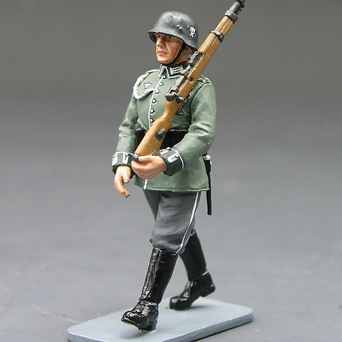 Wehrmacht Marching Rifleman