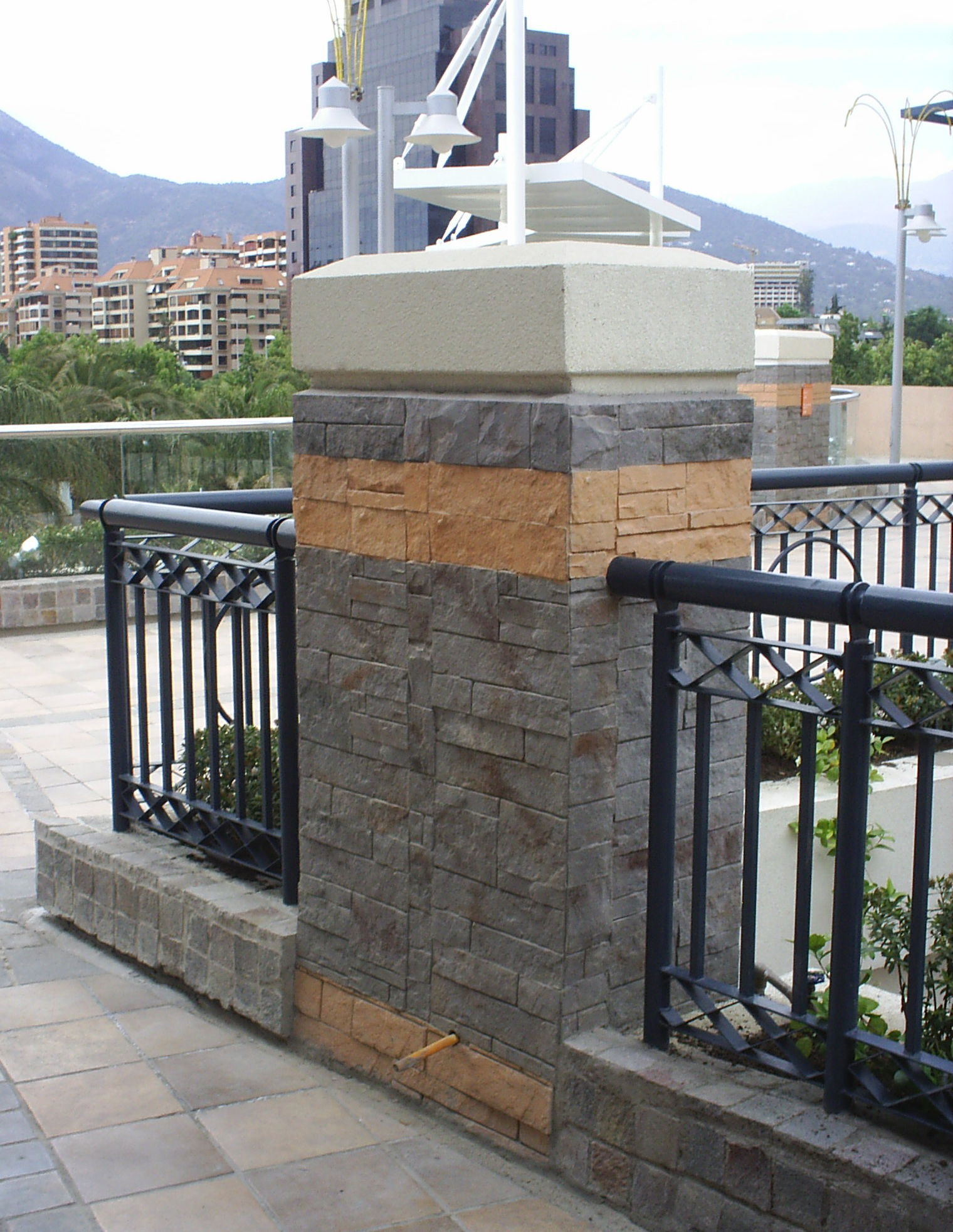 Lingote gris matizado Parque Arauco 2009