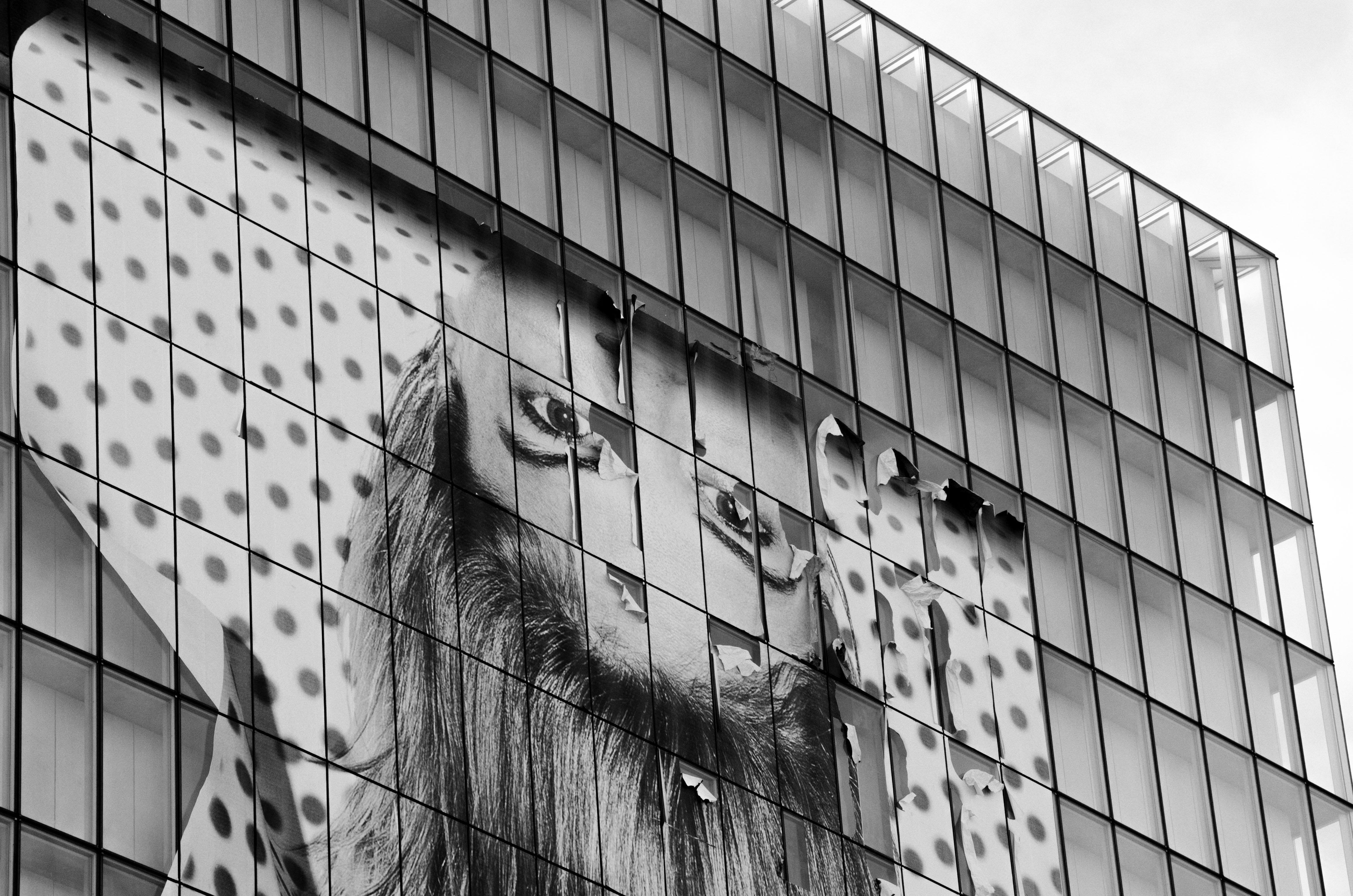 Suspendue, 2013, Paris