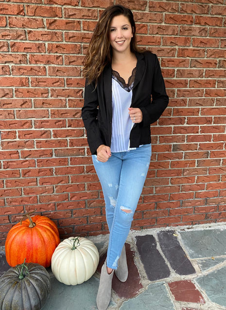Effortlessly Chic Blazer and Jeans Combo