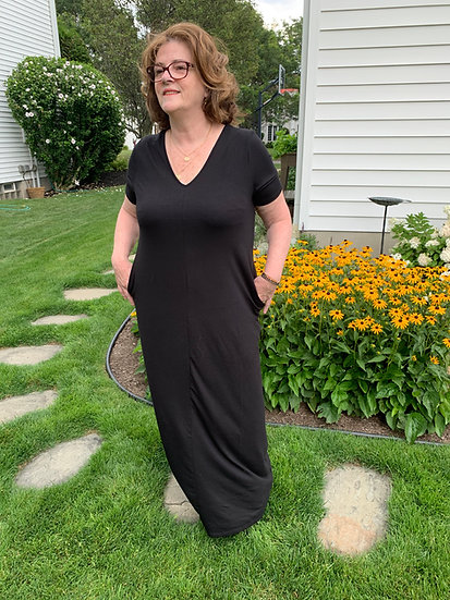 Plus Size Black Maxi Dress w/Pockets