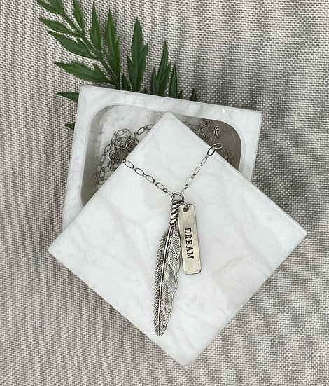 "Wandering Feather Inspirational Necklace - Choose ""Dream"" or ""Faith"""