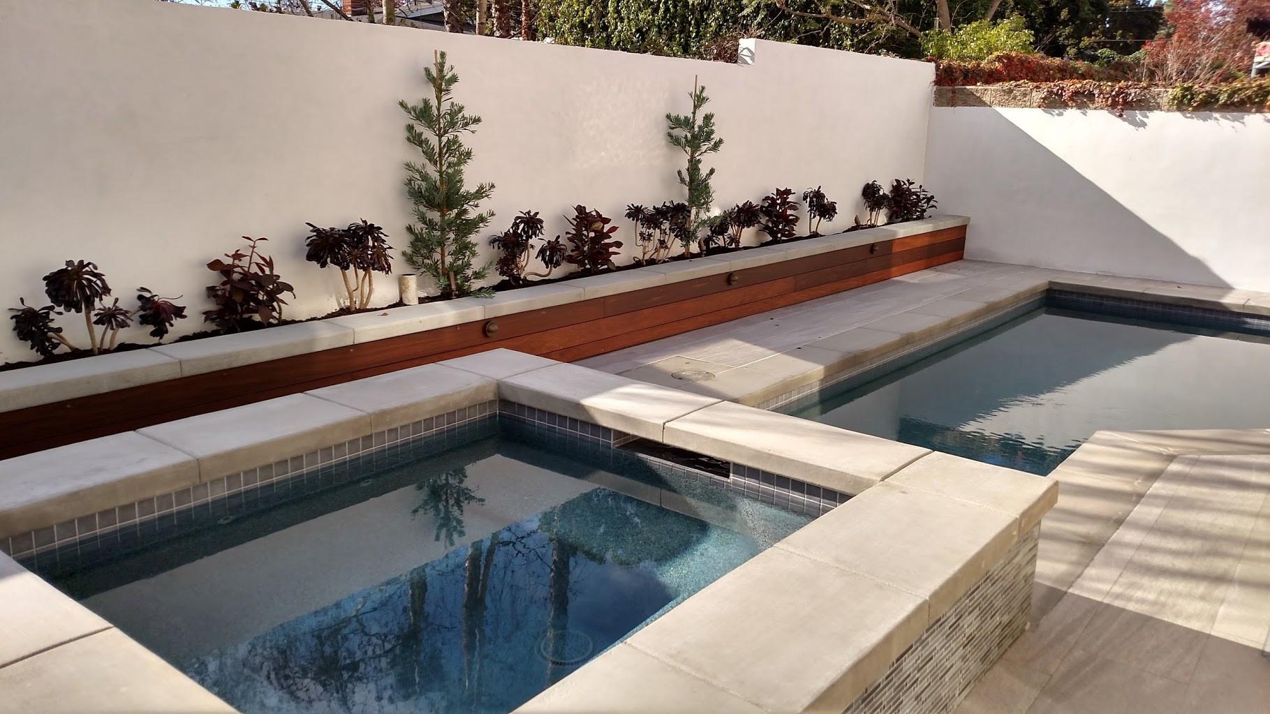 Compact pool and spa,