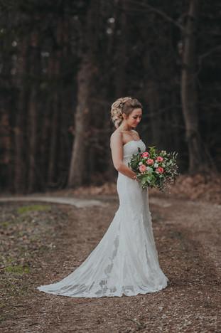 Braut mit Hochzeitsstauß Aichach