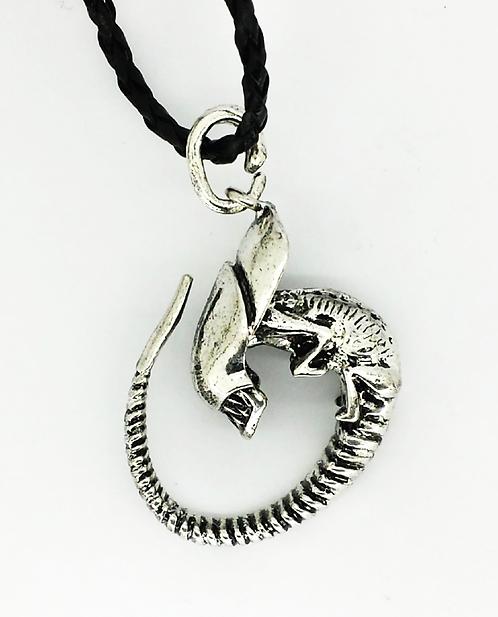 Alien Necklace Colgante Wh244