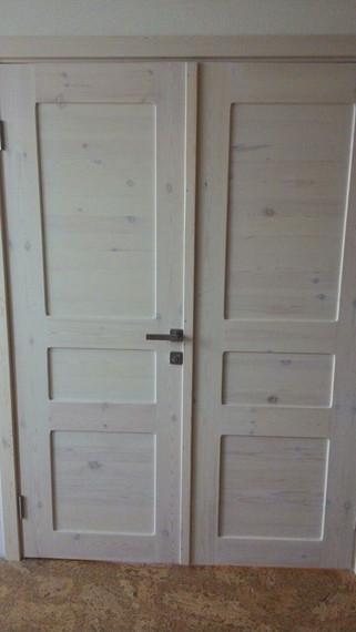 Дверь из ангарской сосны