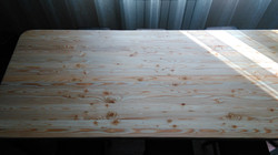 Обеденный стол из лиственницы