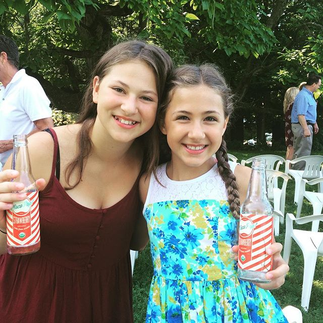 What's  a wedding without some iced cold Strawberry Wiscopop! _#wiscopop _wiscopop