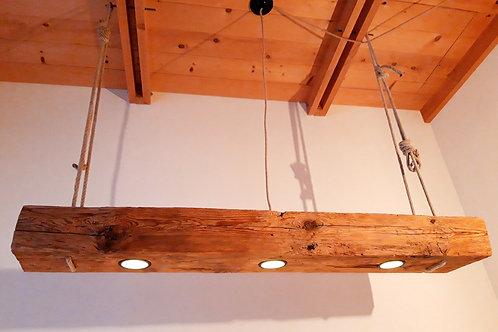 Esstischlampe aus Altholzbalken