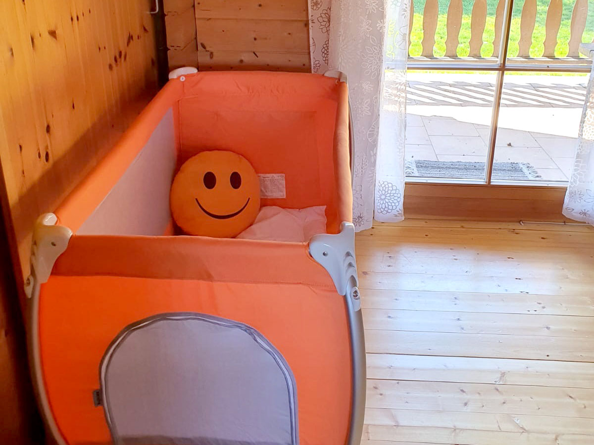 Kinderbett vorhanden