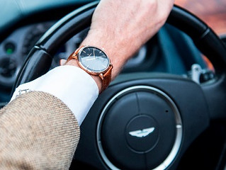 5 reasons why people should wear  watches