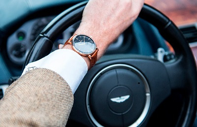 Von Doren - wearing watches while driving