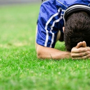 Jak pomóc dziecku zwalczyć porażkę w meczu, bądź na treningu?