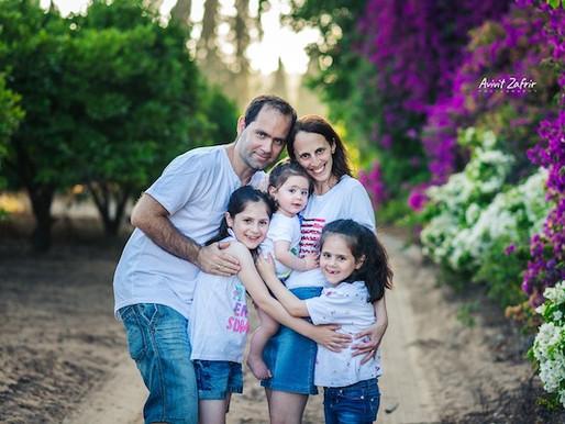 צילומי משפחה בטבע - הכי יפה בעמק חפר