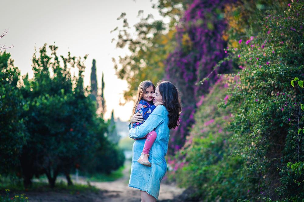 צילומי היריון ומשפחה | אביבית צפריר צלמת | עמק חפר