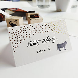 Placecard-Escort Card with gold dots_7.2