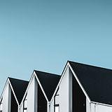 ダーク屋根の住宅団地