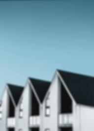 Dunkle Dächer Wohnkomplex