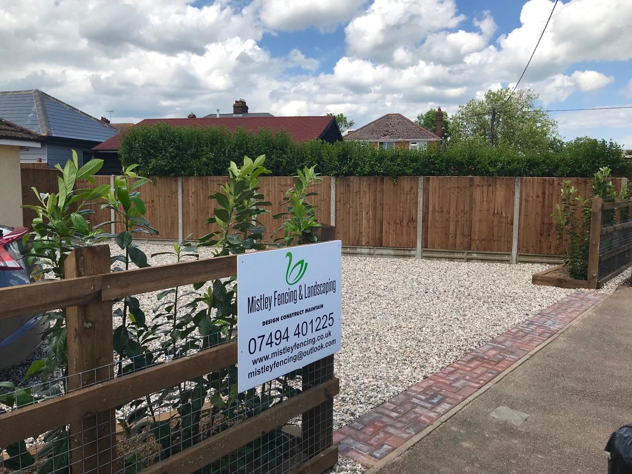 Front Garden & Gate