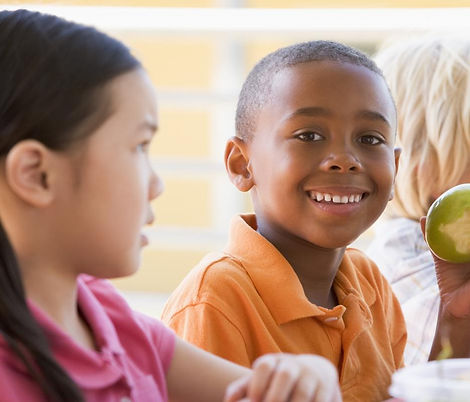 children_eating_lunch_at_school_version_2.jpg