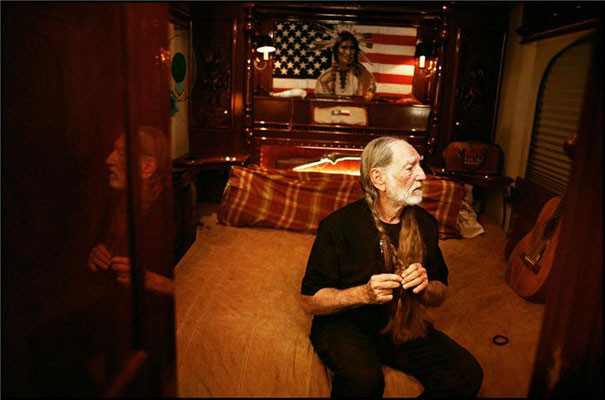 danny_clinch_willie_nelson_new_york_2005