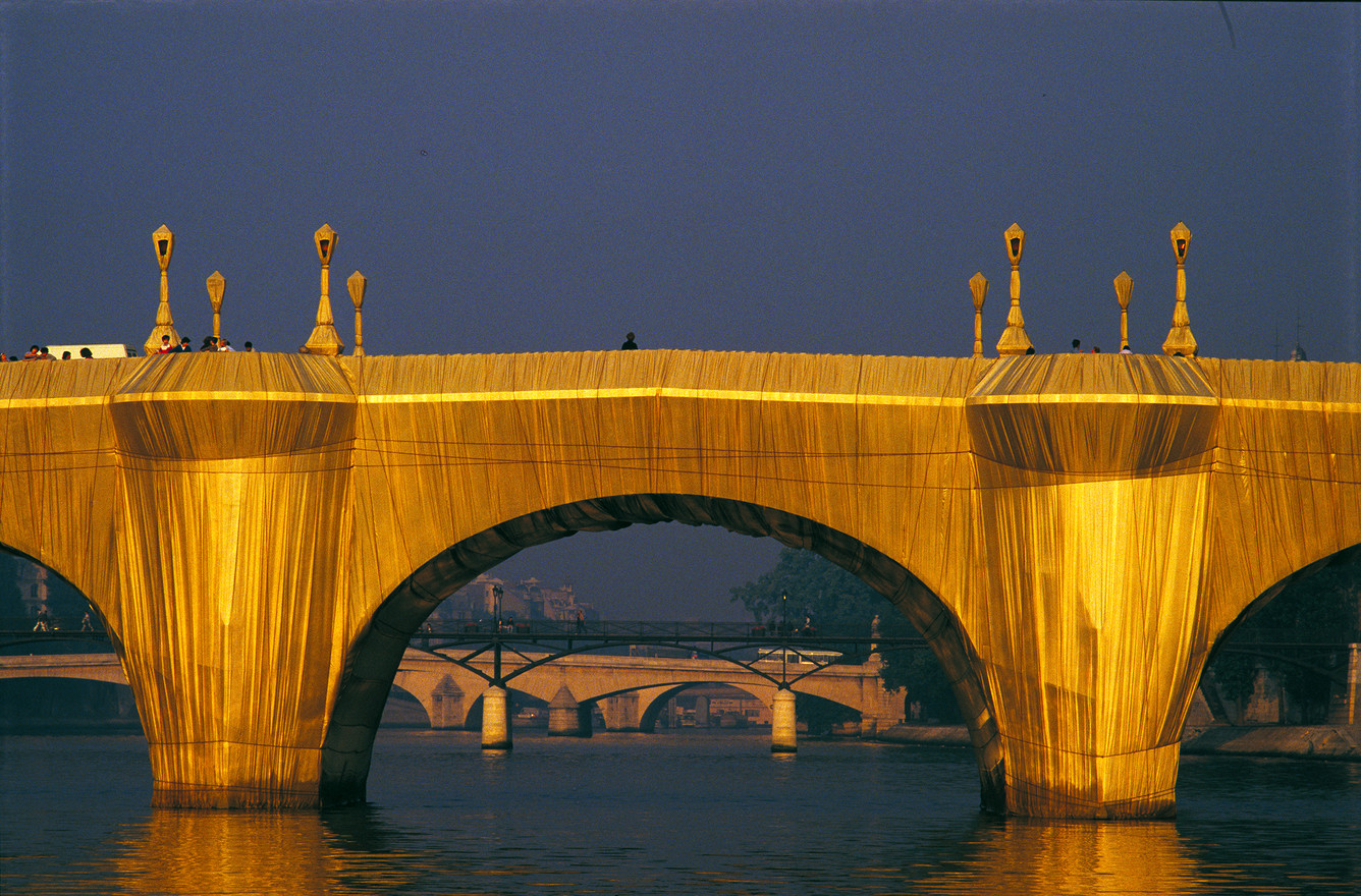 5 - The Pont Neuf Wrapped (1985).jpg
