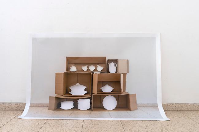 """ארון כלים, 2020 צילום, הזרקת דיו, 160*240 ס""""מ"""