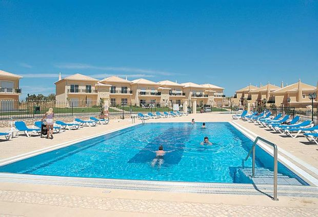 boavista outdoor pool.jpg
