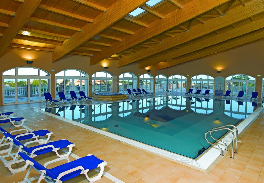 Boavista indoor pool.jpg