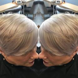 Beautiful little bleach and tone for mama today #wella #illumina #wellaplex #allthetones 😻