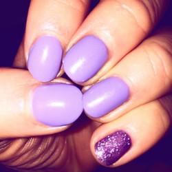 #wisteriahaze #glitterpinki _sisco_edinburgh #thebestshellac #cnd #shellac #nails #edinburgh #mornin
