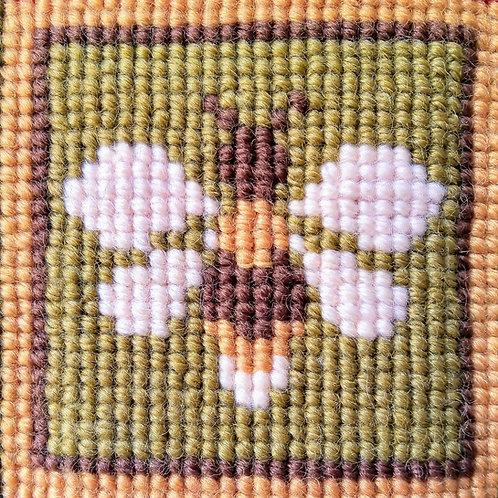 Bee Tapestry Pincushion Mini-Kit, Bee Tapestry Picture Mini-kit