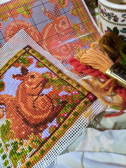 Red squirrel Tapestry Cushion Kit, Red Squirrel Tapestry Picture Kit, Blue Kit