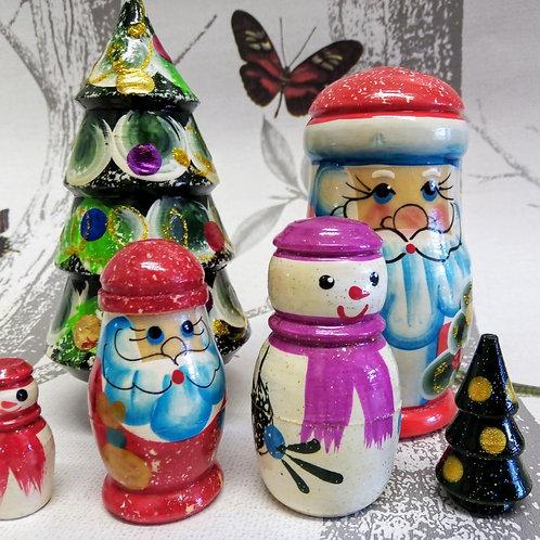 Santa Claus and Nesting Christmas Tree