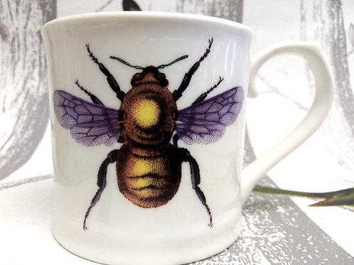 BEE Mug in Gift Box, Vegan, Microwave and Dishwasher safe.